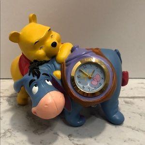 Winnie the Pooh miniature battery clock
